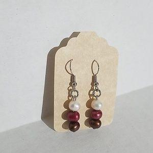Handmade earrings w colored pearls J7
